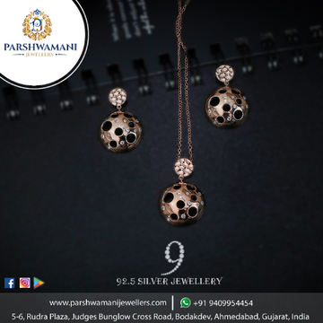 92.5 Sterling Silver Football Design Rose Tone Pendent set with Delicate Chain for Women