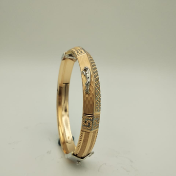 22KT Yellow Gold Charming Speckly Kada For Men