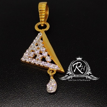 22 carat gold triangle daimond pendal rh-pl862