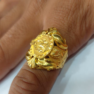 Gents nawabi ring by Parshwa Jewellers