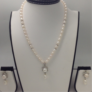 White cz and freshwater pearls pendent set with oval pearls mala jps0036