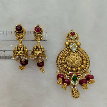 91.6 Antique Gold Jadtar Pendant Set Aps-002