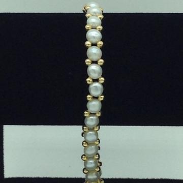 Whitebuttonpearls with goldenjaco balls 1layers braceletjbg0137