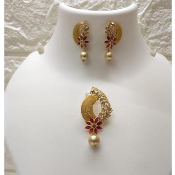 18k gold designer fancy Set by