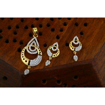 Traditional Rodium pendent set 22kt