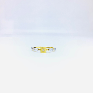 FANCY GOLD RING FOR LADIES by