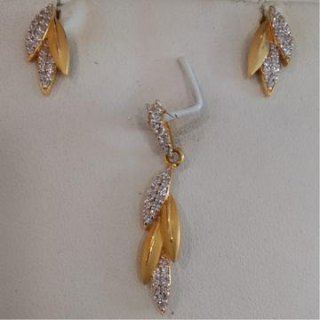 916 Gold Hallmark Leaves Design Pendant Set by
