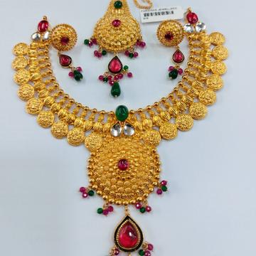 Bridle neckset with mangtikka 916 by Parshwa Jewellers