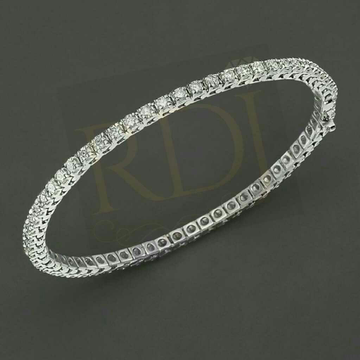 18KT Stylish Round Diamond Bangle