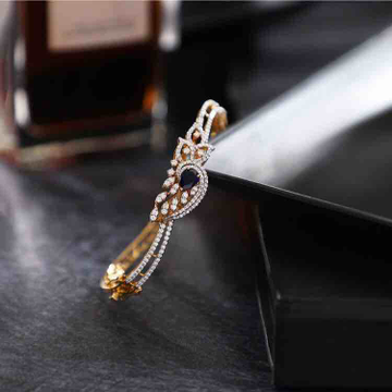 18KT Fancy Designer Diamond Rose Bracelet