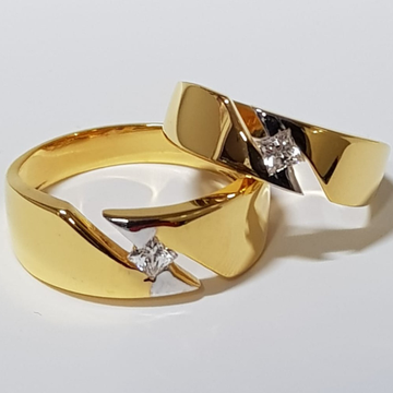 22 ct gold couple ring in single small diamond by