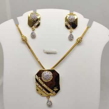 916 CZ Gold Necklace Set SOG-N011 by S. O. Gold Private Limited