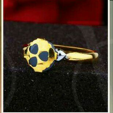 18Kt Gold Classic Single Stone Ring