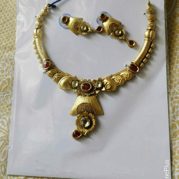 22K / 916 Gold Antique Jadtar Ladies Necklace Set