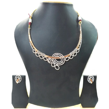 18kt gold delicate diamond necklace set