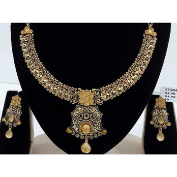 22 Carat Light Weight Antique Jadtar Set by