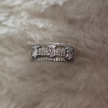 92.5 Sterling Silver Ladies Ring by