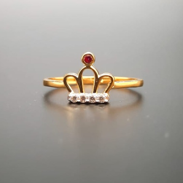 18 ct. gold queen taj ring