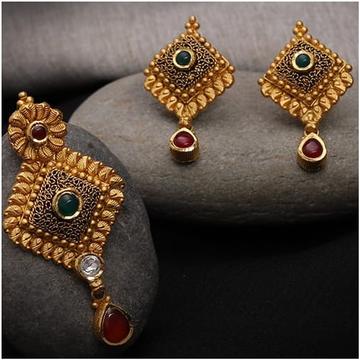 antique pendant set 916 by