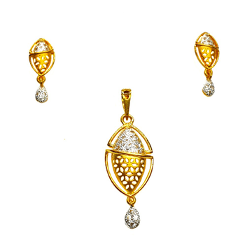 22K Gold CZ Diamond Fancy Pendant Set MGA - PTG0121