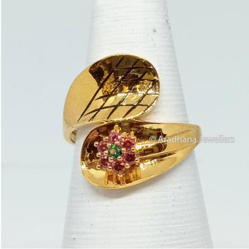 916 Gold Antique Machine Cut Ladies Ring