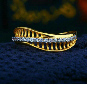 Plain Gold Cz Fancy Ladies Ring LRG -0118