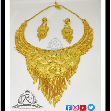 22 carat gold traditional ladies necklace set RH-LN289