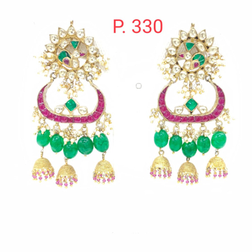 Unique style with hahnging emerald stone kundan work earrings 1560