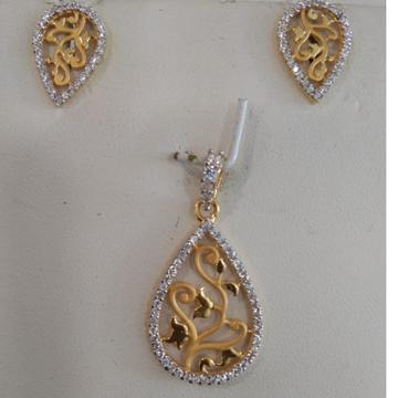 22KT CZ Gold Stunning Antique Design Pendant Set  by