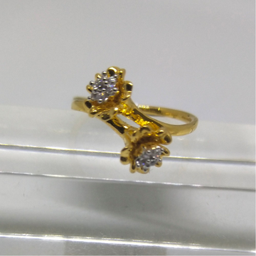 22K Twist shaped diamond ring