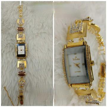 18k Ladies Fancy Gold Watch G-2207