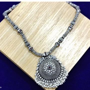 Marigold flower motifs neckpiece by puran