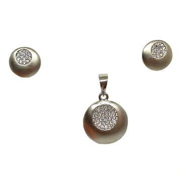 925 Sterling Silver Round Shaped Fancy Pendant Set...