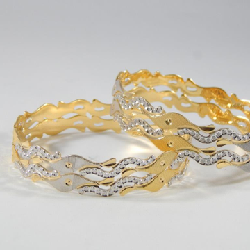 22Kt Yellow Gold Lilah Toggle Bangles For Women