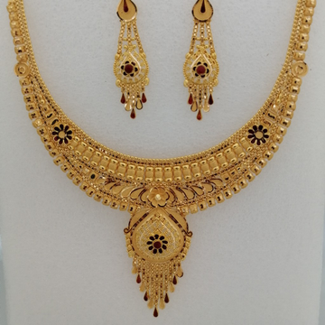 916 gold yellow antique tikki work short set by Vinayak Gold