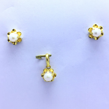 DESIGNING PEARL FANCY GOLD PENDANT SET by