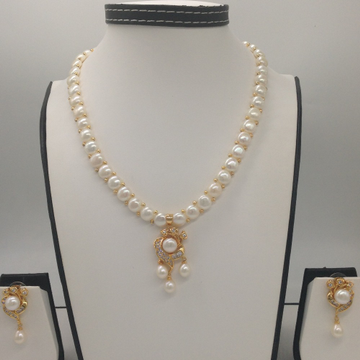 Whitecz and pearls pendentset with 1line buttonjali pearls mala jps0400
