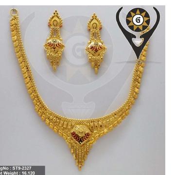 22KT Gold Wedding Wear Hallmark Necklace Set  by Parshwa Jewellers