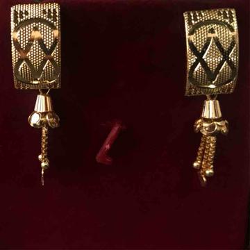 916 plain gold earrings for bride on her wedding