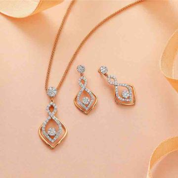 18KT Gold Antique Designer Diamond Pendant Set by