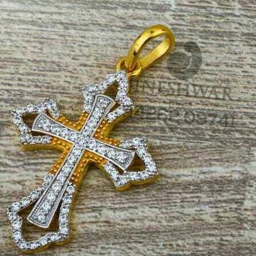 916 Attractive Cz Fancy Cross Pendent