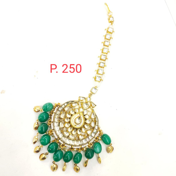 Gold plated kundan Mang Tikka with emerald Beads 1630