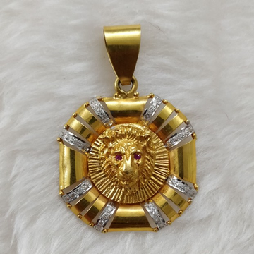 916 Gold Gent's lion Face pendant