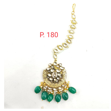 Gold plated kundan mang tikka with emerald beads 1629
