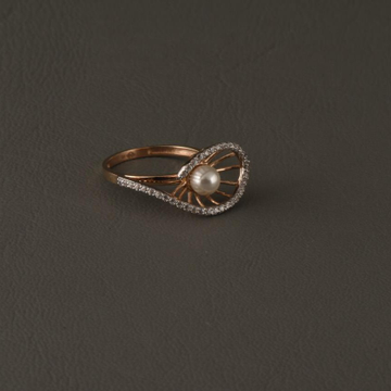 18KT Rose Gold Pearl Lizaan Ring For Women