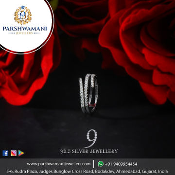 92.5 sterling silver ladies fashionable fancy ring with cubic zirconia stone this ring is solid with unique design ring for  women