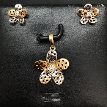 Real diamond fancy Flower pendant set