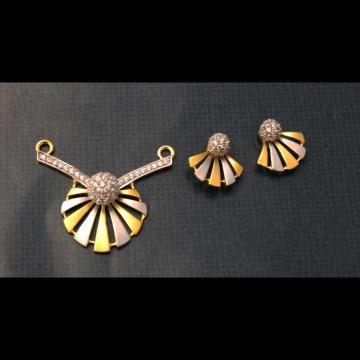 22 K Gold Fancy Pendant Set. nj-p01185