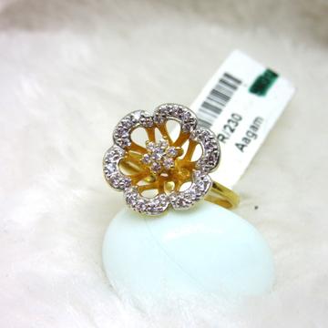 Gold designer ladies ring