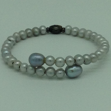 Grey Round And Oval Pearls 1 Layers Stiff Bracelet...